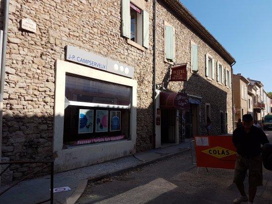 Trets, Frankrike: L'ingresso dell'hotel