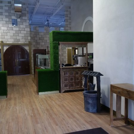 Barrie, Canada: Catered castle party rooms
