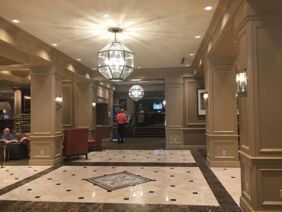 Clayton, MO: Main Lobby - Very nice