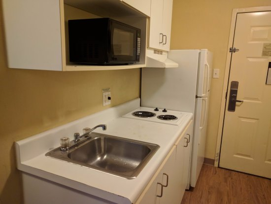 InTown Suites Bowling Green Extended Stay Hotel: Kitchen