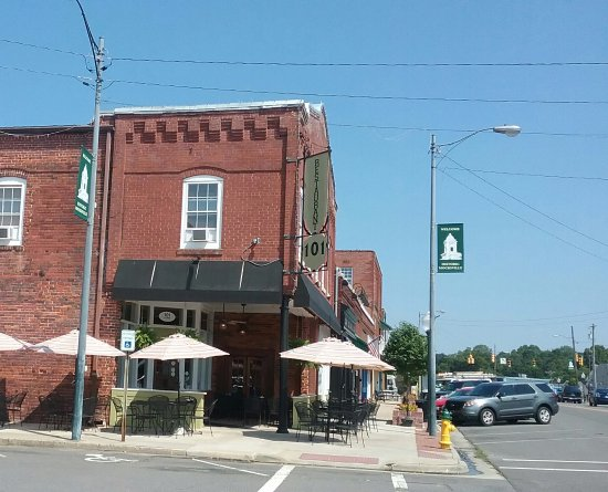 Mocksville, Carolina do Norte: View of front of restaurant