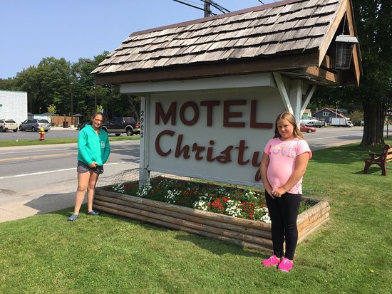 Christy's Motel: photo0.jpg