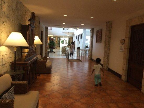 Montebello Villa Hotel Photo