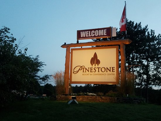 Pinestone Resort and Conference Centre: 20170824_201817_large.jpg