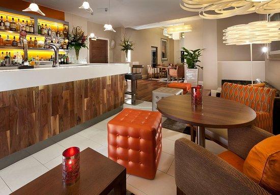 Hotel Indigo Edinburgh: Signature Cranachan cocktails and impressive whisky selection