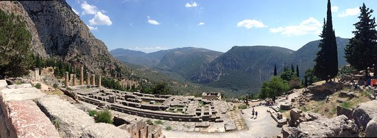 Delphi Archaeological Museum: Temple of Apollo archeological site