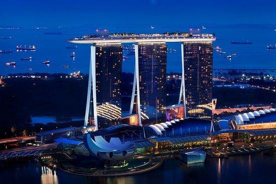 Marina Bay Sands: MBSHero Exterior Full Shot