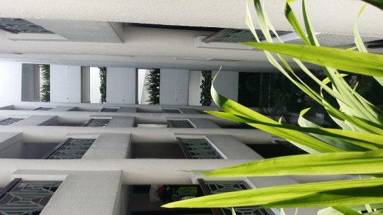 Holiday Inn Kuala Lumpur Glenmarie: 20170825_100252_large.jpg