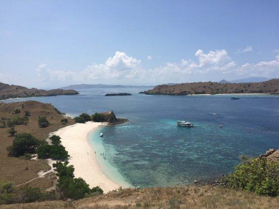 Pulau Komodo, Indonesia: 丘からの俯瞰