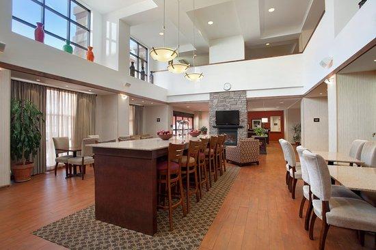 Hampton Inn & Suites Salida : PM Lobby