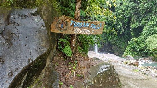 Catarman, Philippines : Entrance to Tuasan Falls