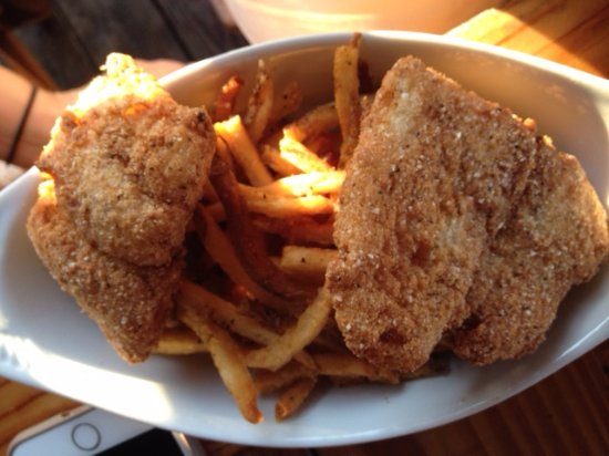 Mickey's Bar and Grill : Fish and Fries