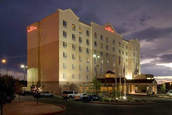 Hilton Garden Inn Albuquerque Uptown: Hotel Exterior