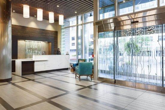 Hilton Garden Inn Washington DC / Georgetown Area : Lobby