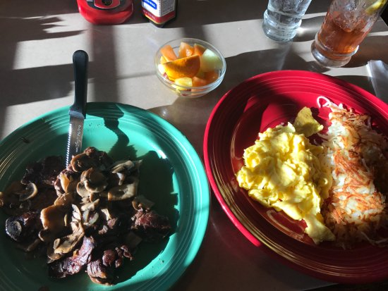 Beach Park, IL: Steak with mushrooms, scrambled eggs, and hash browns