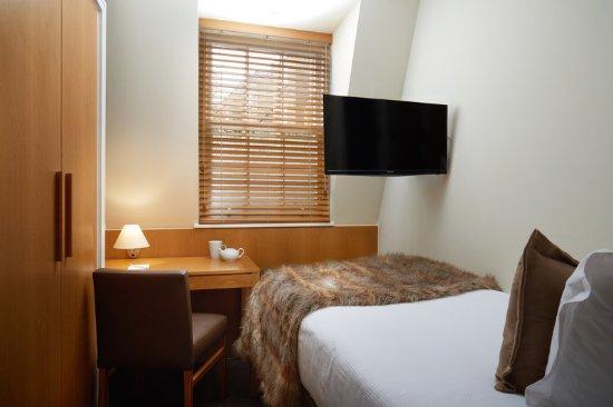 The Nadler Kensington: Standard single room