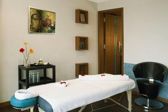 Radisson Blu Hotel Pune Kharadi: Spa Therapy Room