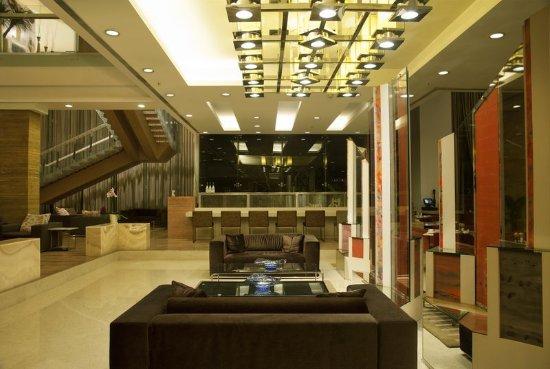 Radisson Blu Hotel Pune Kharadi: Lobby