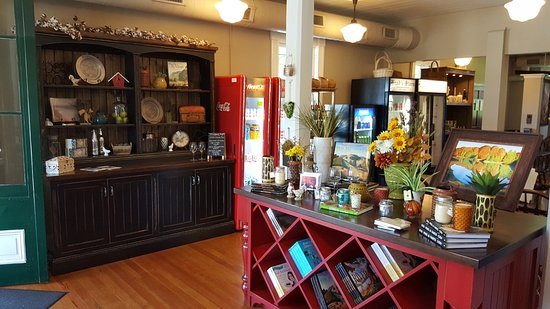 Saint Albans, MO: View inside store