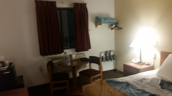 Limon, CO: Showing the basic room as best I could.