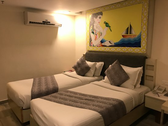 Palm Beach Hotel & Resort Image