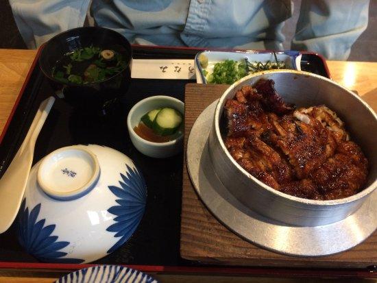 Unami: 上釜まぶしと並丼