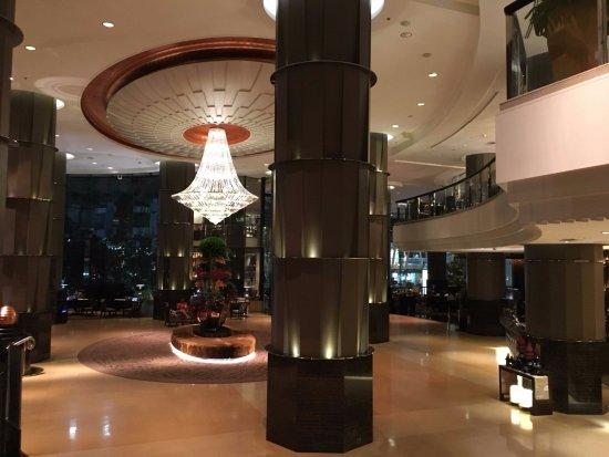 InterContinental Bangkok - very vast lobby