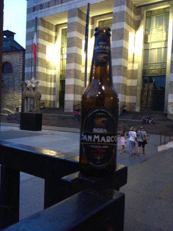 Amarcord Artisan Piada Restaurant : Birra italiana stupenda in piazza della Vittoria a Brescia.