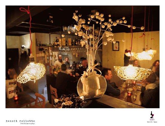 Un intérieur cocy - Picture of Eden Bar a Vin, Wavre - TripAdvisor