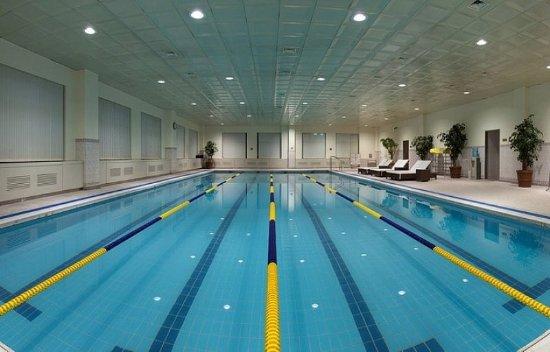 Hotel Hyundai: Swimming Pool In Fitness Zone