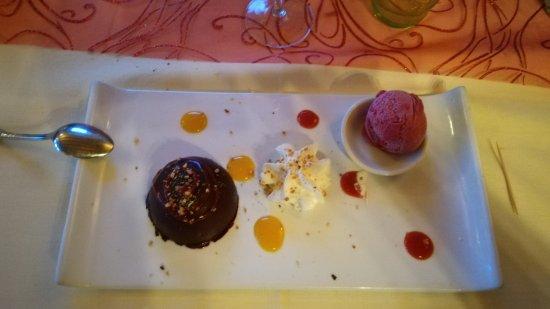 Le Lude, France: dessert