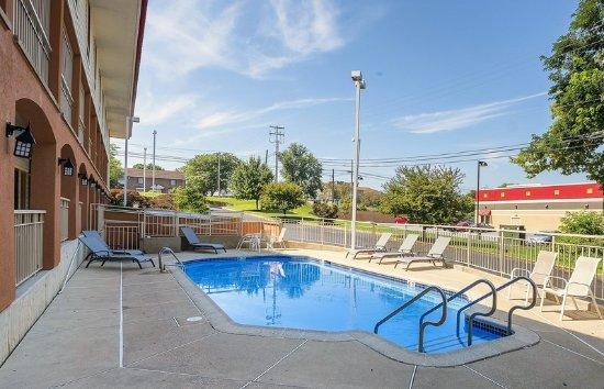 Red Roof Inn Lancaster : Pool