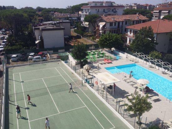 Family hotel k2 a lido adriano billede af family hotel - Bagno marina beach lido adriano ...