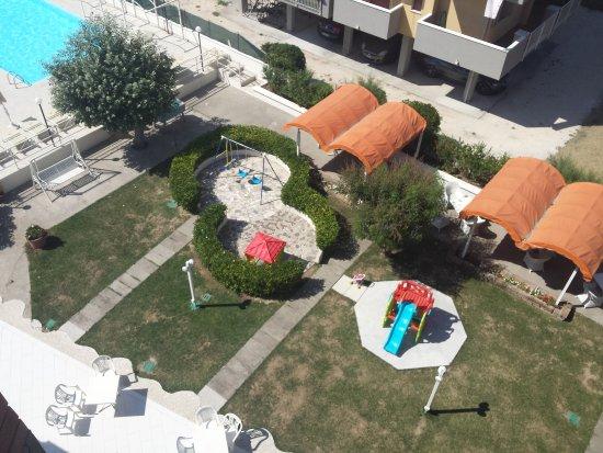 Family hotel marina beach lido adriano italien hotel - Bagno marina beach lido adriano ...