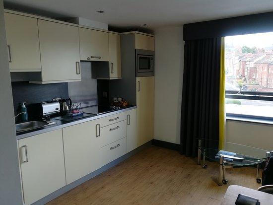 Roomzzz Leeds City West: IMG_20170730_181305_large.jpg