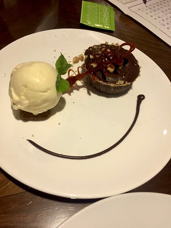 Seventy Seven Burger And Pizza: cookies and lava cake with ice cream, to satisfy my sweet tooth