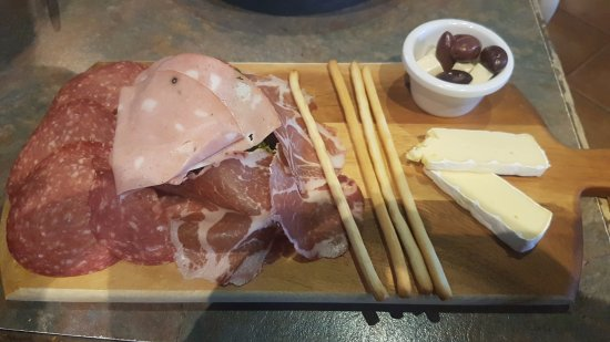 Vincent, Australia: Antipasto (Small!)