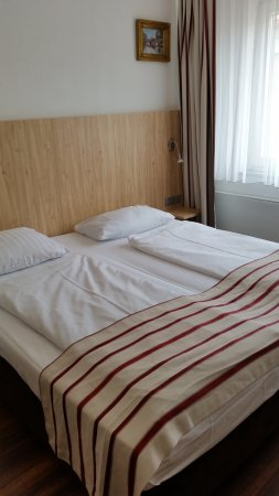 Hansa Hotel Photo
