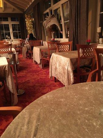 Vital & Wellnesshotel zum Kurfuersten: Die Tischdecken im Speisesaal aus Panesamt
