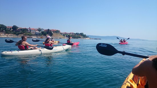 Sea Kayaking Ravda-Nesebar : Racing along The Old town :)
