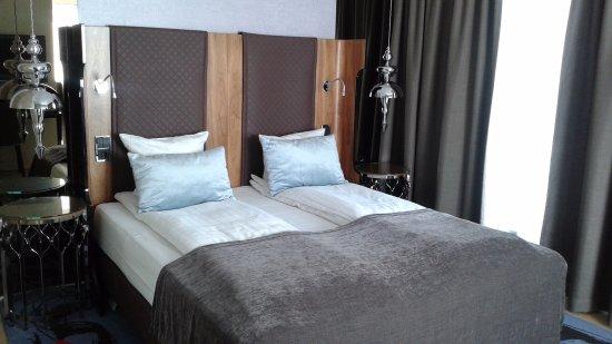 Chambre avec lit king - Picture of Tivoli Hotel, Copenhagen ...