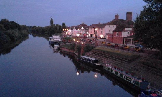 Swan Hotel: View from Upton bridge showing hotel at the far end.