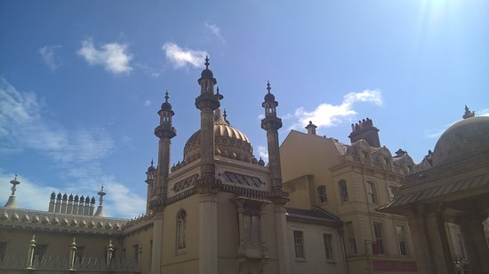 Royal Pavilion: sunny days a must for the garden picnic