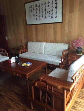 Lin'an, Κίνα: 今天吃了鸡肉 鸡汤正在下单老母鸡熬的汤大补汤啊,白斩鸡肉有嚼劲绝对不是某连锁餐饮28天可以比较的鸡肉内🤤