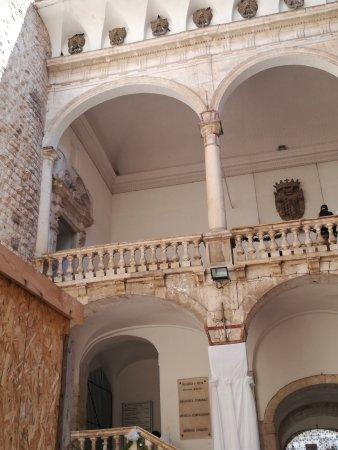 Palazzo De mari