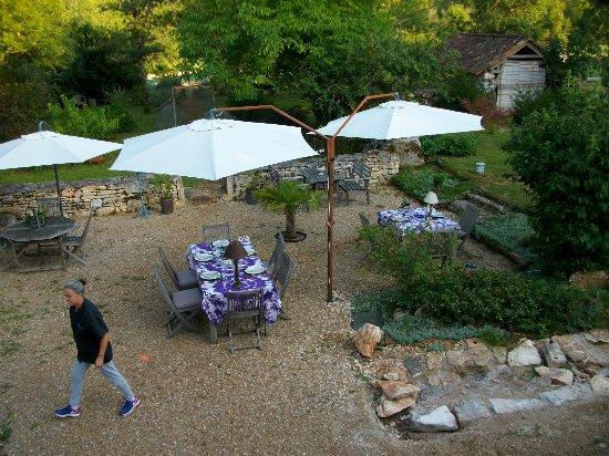 Le Clos Caché : la préparation pour diner dehors
