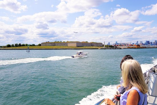 Fort Indepence and Castle Island from tour boat