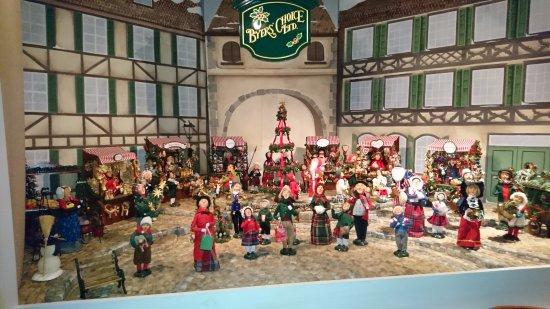 Paradise, PA: Christmas village