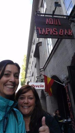 Aqui Tapas Bar: 2 girls in Stockholm