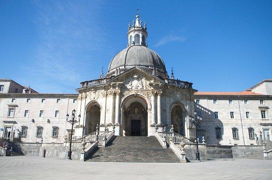 Santuario de Loyola: Vista exterior del santurario